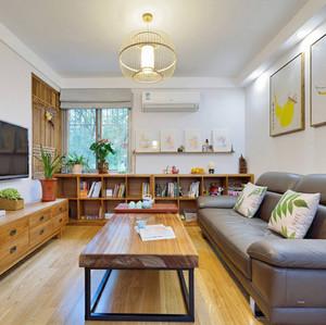 日式风格客厅简约沙发装饰