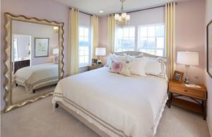 简约风格房间床饰装饰