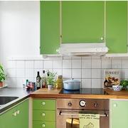 韩式清新风格厨房悬挂式橱柜装饰