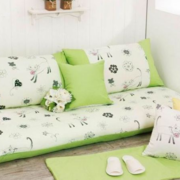 绿色清新的客厅沙发