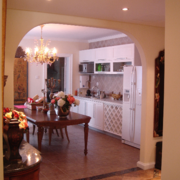 美式风格厨房拱形门装饰