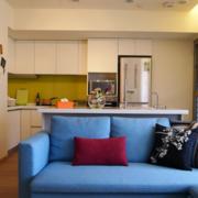 客厅转角蓝色小沙发