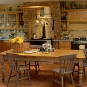 美式开放式厨房餐桌装饰