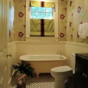 小卫生间印花背景墙装饰