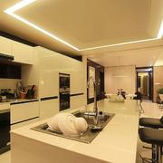 奢华风格厨房吧台装饰