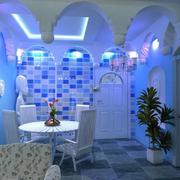 蓝色系餐厅隔断装饰