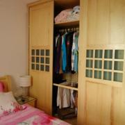 深色调卧室衣柜图片