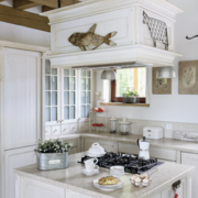 白色开放式厨房展示