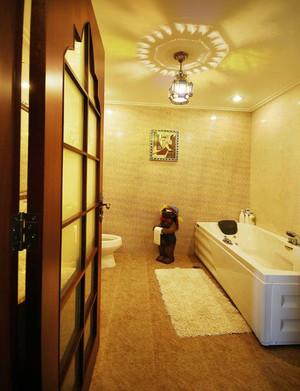 东南亚风格卫生间装修效果图