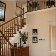 楼梯实木扶手设计