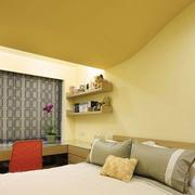 暖色调小卧室效果图