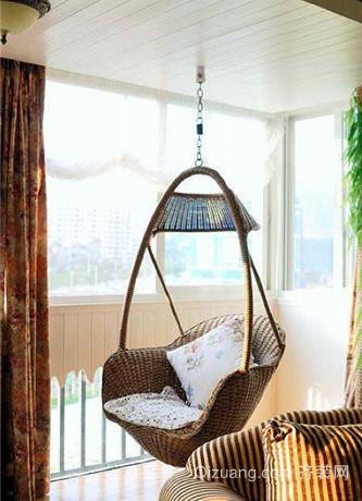 简约舒适阳台吊椅装修效果图