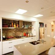 厨房橱柜隐形门