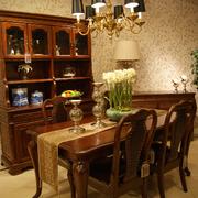 精巧美式大餐桌
