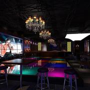 沉稳型酒吧吊顶设计