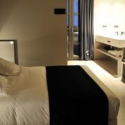 淡色调商务酒店设计