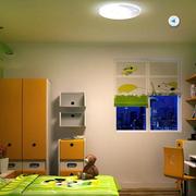儿童房绿色墙面装饰
