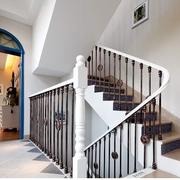 典雅前卫的别墅楼梯
