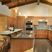 小户型原木色的厨房