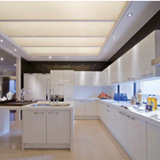开放式厨房白色橱柜