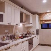 暖色调厨房装修设计