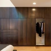 灰色调卧室衣柜设计