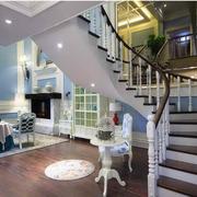 客厅旋转楼梯欣赏