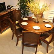 家居实用的餐桌