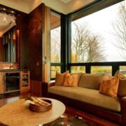 美式现代客厅飘窗