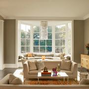 大户型客厅飘窗设计