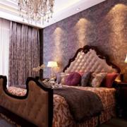 颜色深沉的卧室