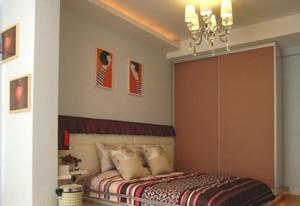 70平米卧室舒适榻榻米床装修效果图