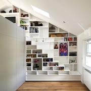 美式简约风格斜顶阁楼置物架装饰