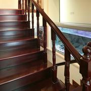 中式原木深色系楼梯装饰