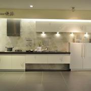 现代简约风格厨房整体式橱柜装饰