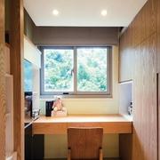 美式简约风格阁楼原木桌椅装饰