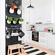 北欧风格简约厨房吧台装饰