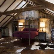 美式简约风格阁楼卧室吊顶装饰