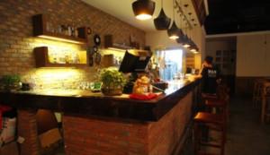 80平米复古主题餐厅装修效果图