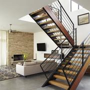 后现代风格简约原木浅色楼梯装饰