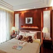 卧室简约风格原木床头背景墙装饰