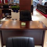原木简约风格办公桌设计