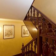 楼梯简约风格原木深色楼梯效果图