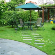 自然清新别墅庭院阳伞装饰