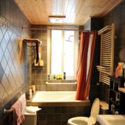 卫生间简约风格原木吊顶装饰