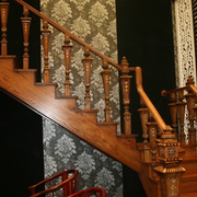 简约风格原木楼梯装饰