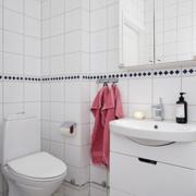 现代简约风格厕所镜饰装饰