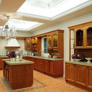 美式简约原木色厨房橱柜效果图