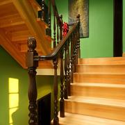 东南亚风格原木楼梯装饰