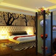 小房间简约风格卧室背景墙装饰